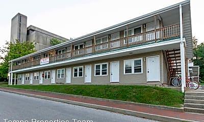 Building, 801 E Hunter Ave, 1
