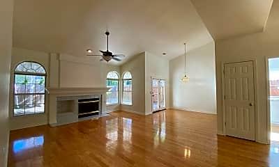 Living Room, 618 Black Oak Way, 1