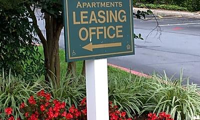 Forest Ridge Apartments, 1