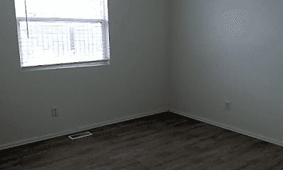 Bedroom, 1015 E River St, 2