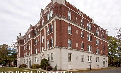 Building, 141 Maple St, 2