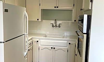 Kitchen, 155 Monroe St, 1