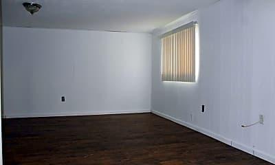 Living Room, 702 Vendome Ln, 2