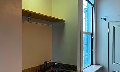 Bathroom, 63 Haight St, 2
