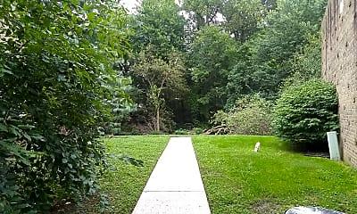 Meadowbrook Condominiums, 2