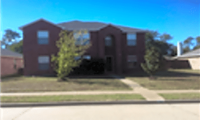 Building, 724 Meandering Drive, 1
