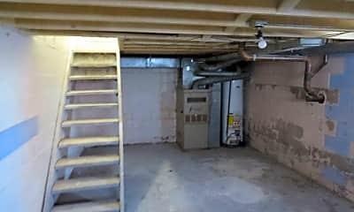 Bathroom, 2405 W 15th St, 2
