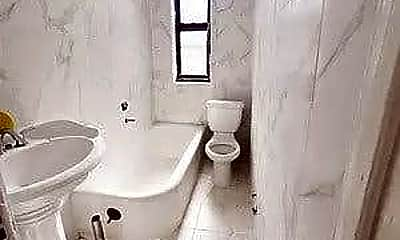 Bathroom, 2610 Glenwood Rd 6-A, 2