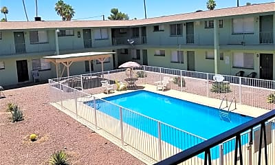 Pool, 665 N Jefferson Ave, 1