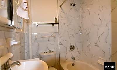 Bathroom, 66 Diamond St, 2