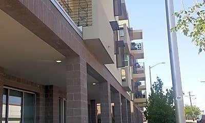 Cuatro Apartments, 1