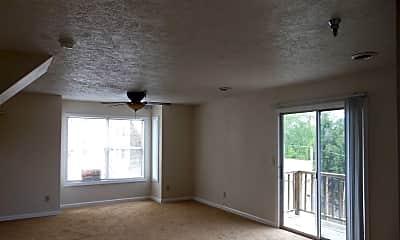 Living Room, 400 Stewart Ln, 2