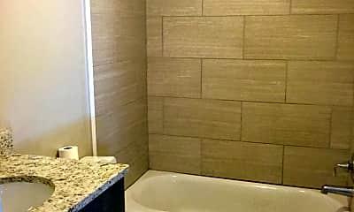 Bathroom, 76 Nassau St, 2
