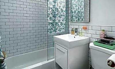 Bathroom, 166 Suffolk St, 2