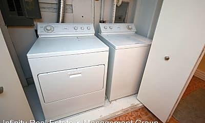 Bathroom, 705 10th St SW, 2