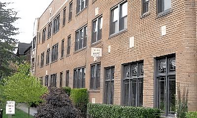 Building, 201 17th Ave E, 1