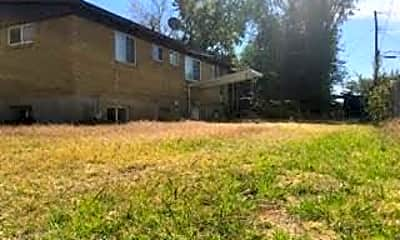 Building, 851 N 250 W, 2