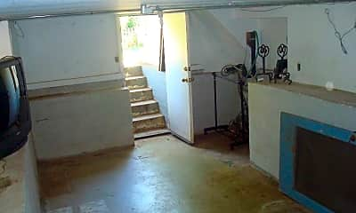 Patio / Deck, 4533 D St, 1