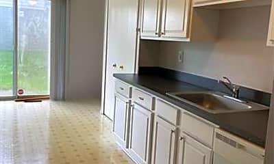Kitchen, 26292 Franklin Pointe Dr, 1