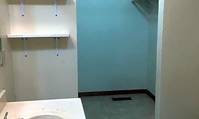 Bathroom, 700 N Roberts Ave, 2