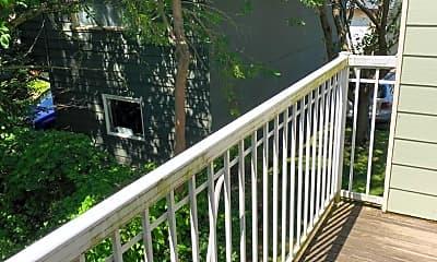 Patio / Deck, 911 Billy Frank Jr. St, 2