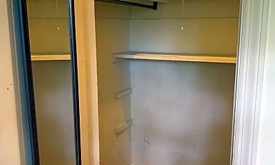 Living Room, 5711 Howe St, 1