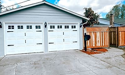 Building, 910 El Rancho Dr, 0