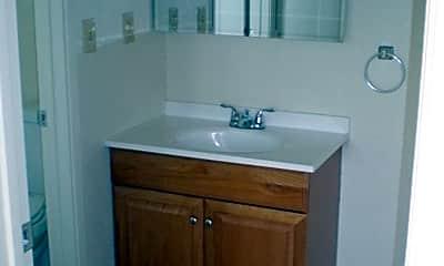 Bathroom, 380 Lake Blvd, 2