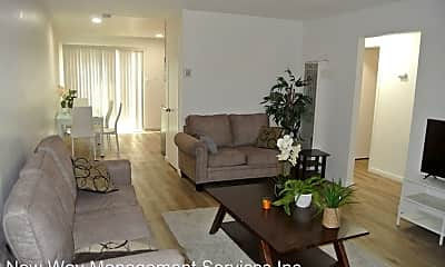 Living Room, 1504 Sycamore Dr, 0