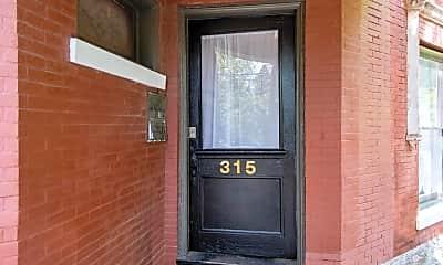 315 W Lee St 3, 1