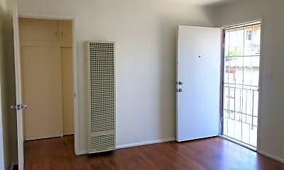Living Room, 4642-4646 Florida St, 1