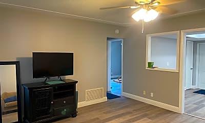 Living Room, 3422 NE 5th Dr, 0