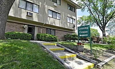 Building, Parkview Apartments, 1