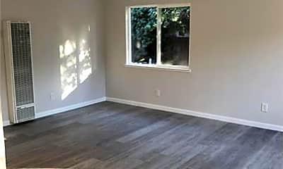 Living Room, 392 Menker Ave, 1