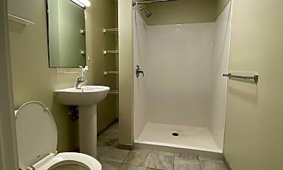 Bathroom, 20 Cutts Ave, 2