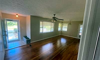 Living Room, 2106 S Fernwood Dr, 1