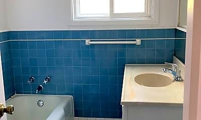Bathroom, 367 Millwood Dr, 1
