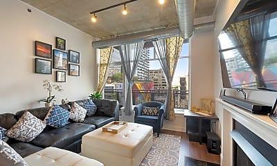 Living Room, 1305 S Michigan Ave 603, 1