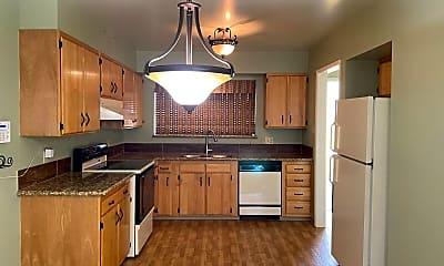 Kitchen, 106 Smithridge Park, 1