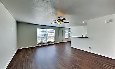 Living Room, 6550 Garden Trail Court, 1