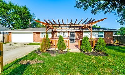 Building, 585 Cedarwood Rd, 2