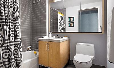 Bathroom, 505 W 29th St, 1
