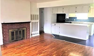 Living Room, 2344 NE 92nd St, 1