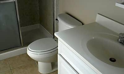 Bathroom, 206 Detroit Ave, 2