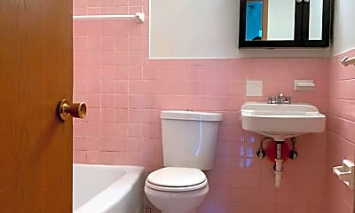 Bathroom, 25 W 33rd St, 2