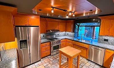Kitchen, 722 Chimalus Dr, 1