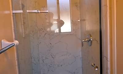 Bathroom, 5176 Oxbow Ct, 2