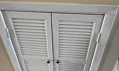 Patio / Deck, 91-12 75th St, 2