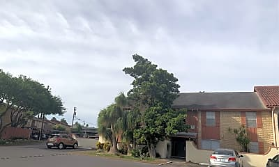 La Hacienda Apartments, 0