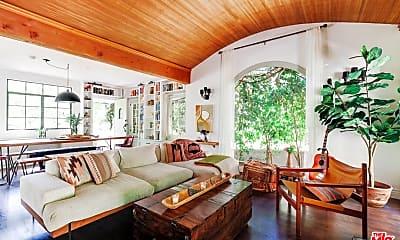 Living Room, 2644 N Beachwood Dr, 0